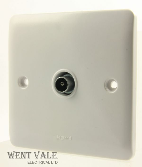 Legrand Synergy - 7300 40 - 1g Screened TV Outlet New